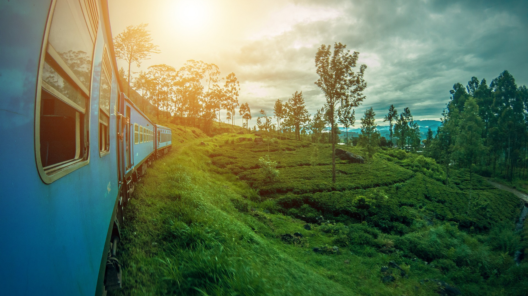 train-sri-lanka-photo